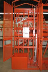 Scaffold bracket cage